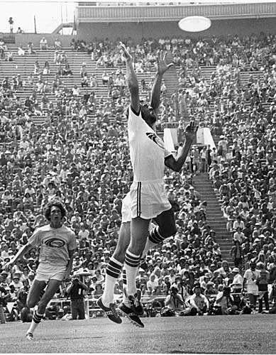 '76 TK Leaping at Rose Bowl