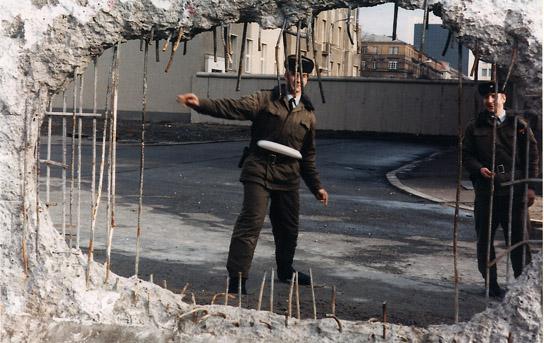 '89 Berlin Wall Frisbee